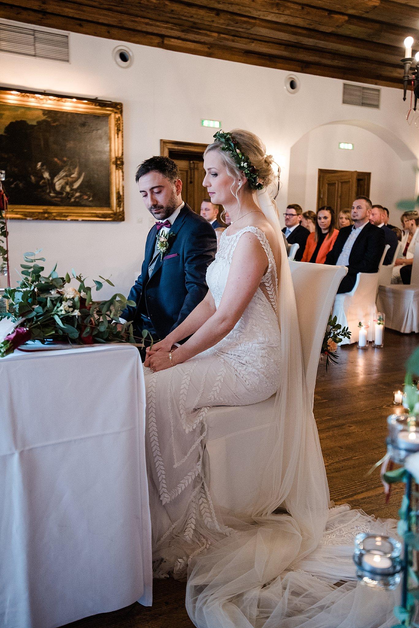 Hochzeit-von-Marina-Dominik-auf-Burg-Wernberg-und-Schloss-Friedrichsburg-00025