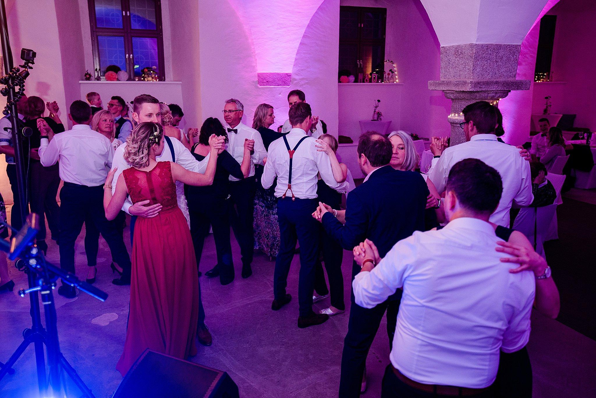 Hochzeit-von-Marina-Dominik-auf-Burg-Wernberg-und-Schloss-Friedrichsburg-00045
