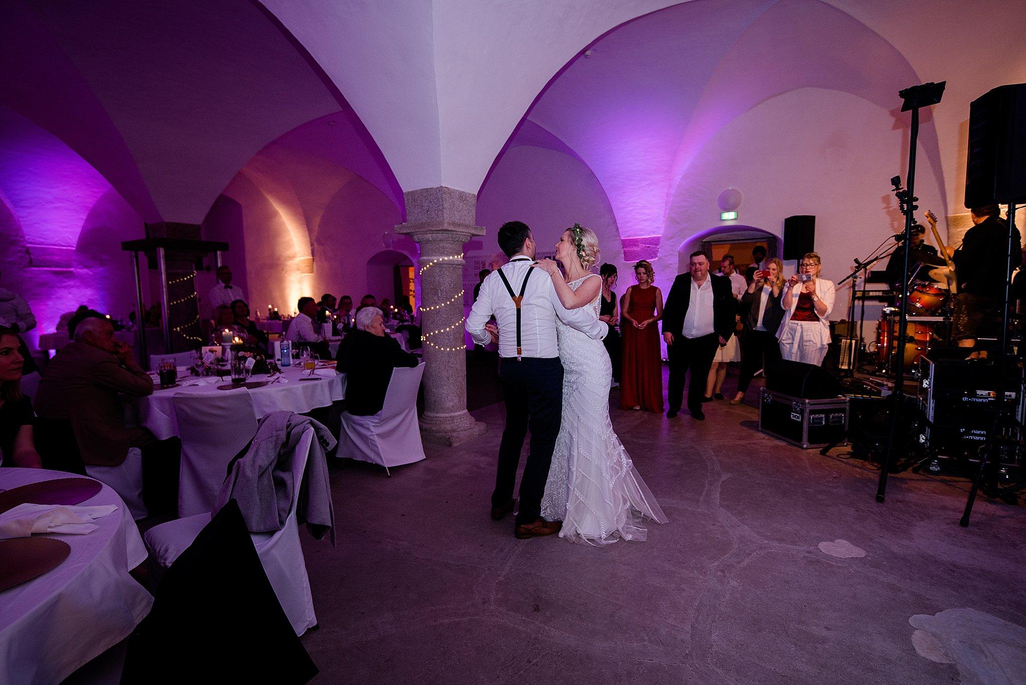 Hochzeit-von-Marina-Dominik-auf-Burg-Wernberg-und-Schloss-Friedrichsburg-00046