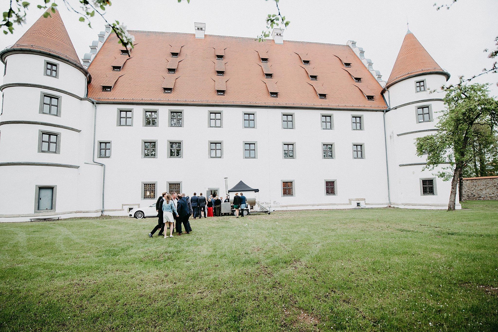 Hochzeit-von-Marina-Dominik-auf-Burg-Wernberg-und-Schloss-Friedrichsburg-00055