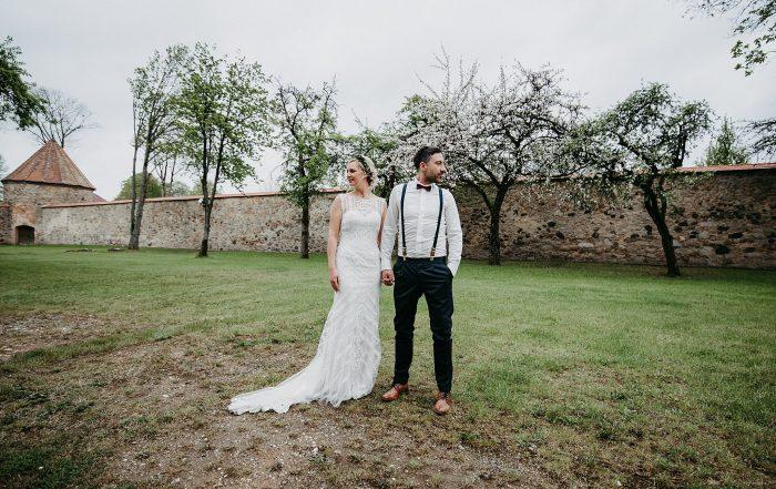 Hochzeit-von-Marina-Dominik-auf-Burg-Wernberg-und-Schloss-Friedrichsburg-00053-700x441 - Hochzeitsfotograf Bayern Deutschland Europa